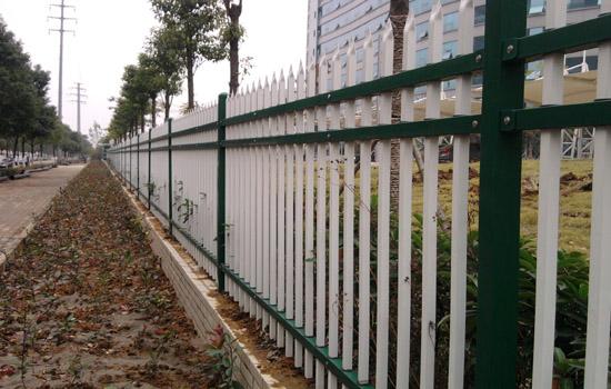 三横杠锌钢护栏